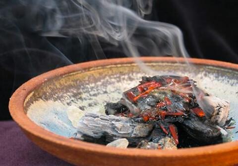 Räucherpflanzen & Ätherische Öle
